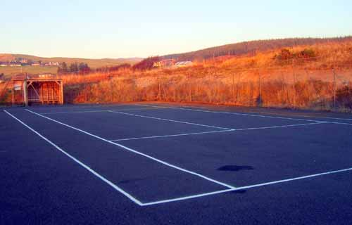 Tennis court at Machrie Bay
